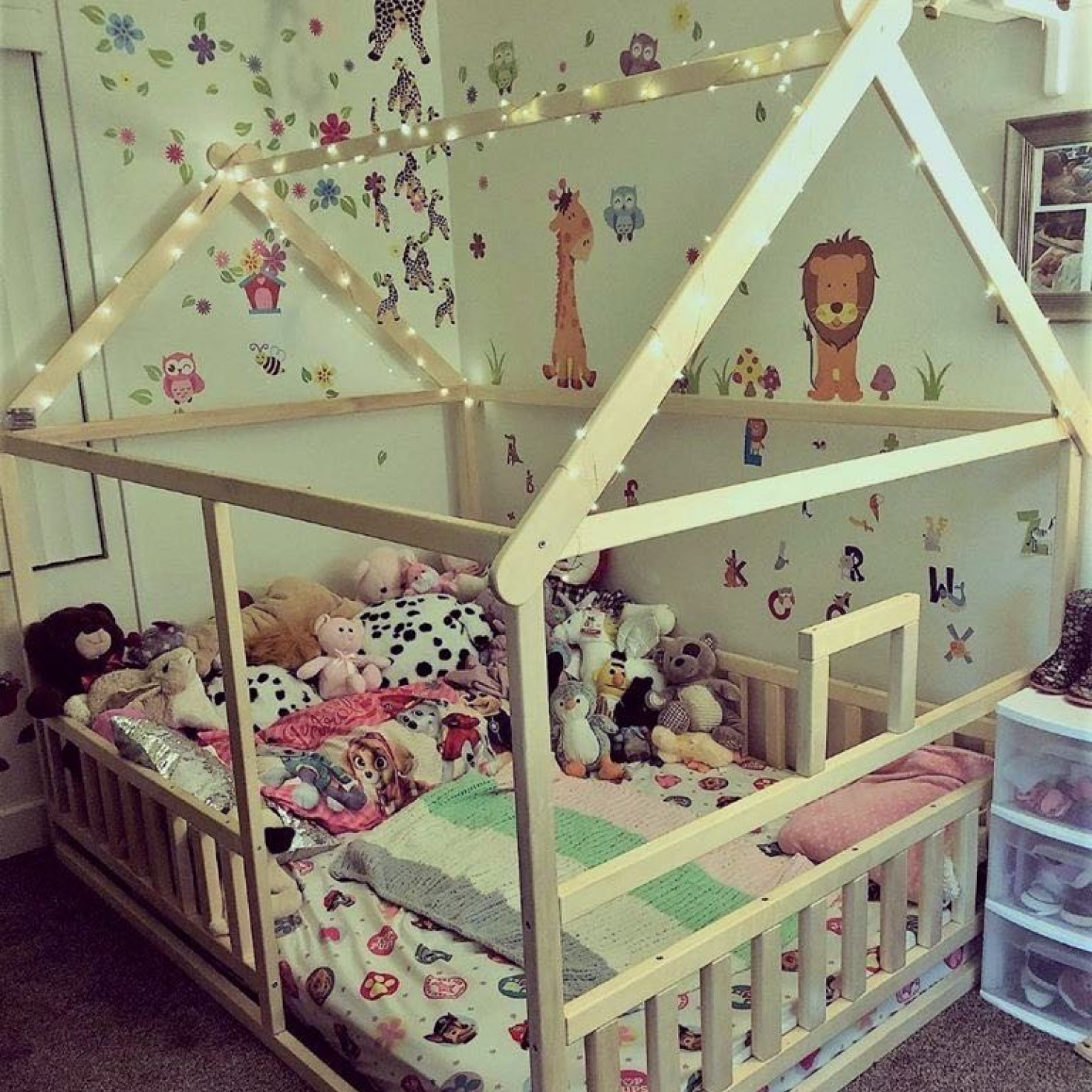 House Shaped Montessori Floor Bed Homefordreams