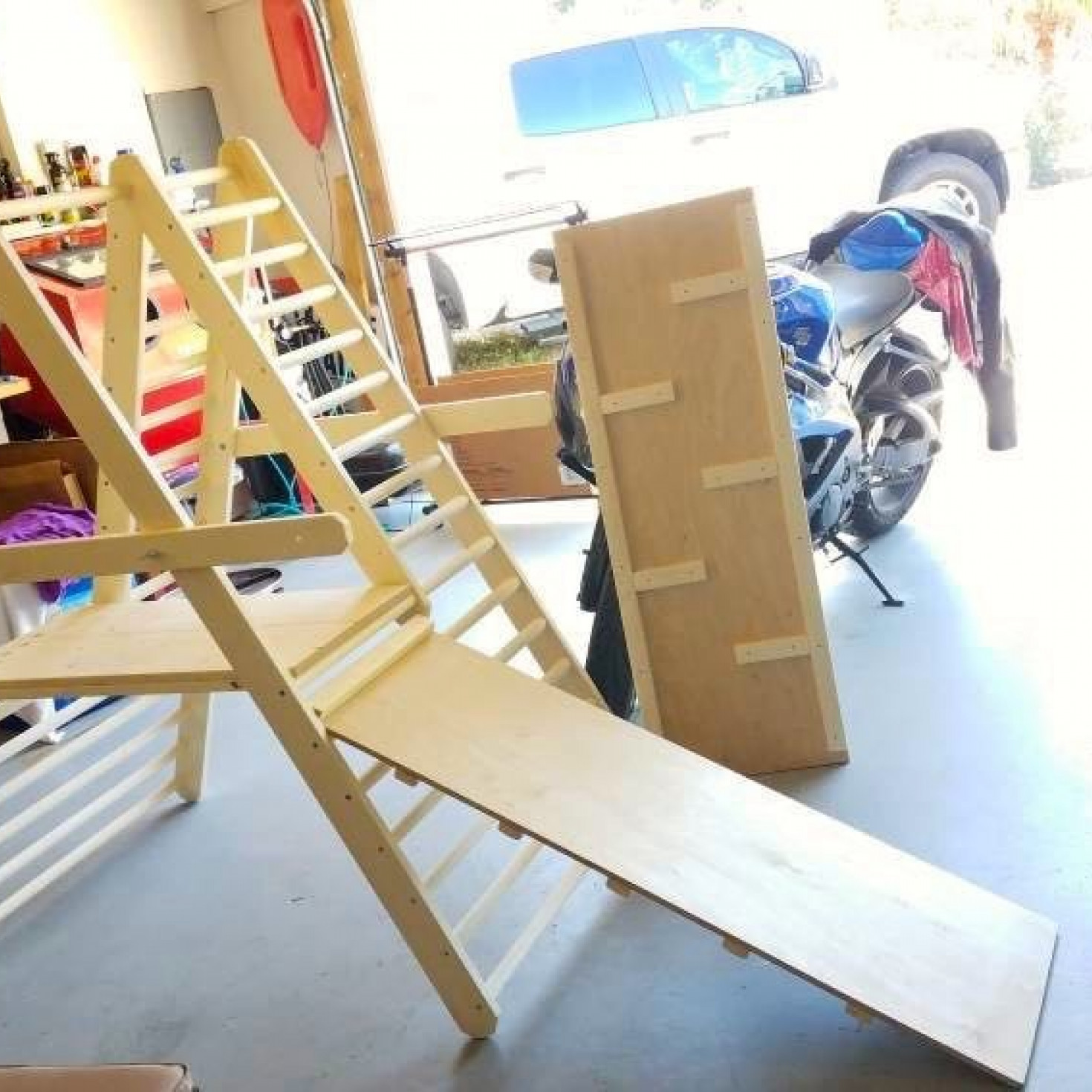 The accessories of a climbing ladder for toddlers