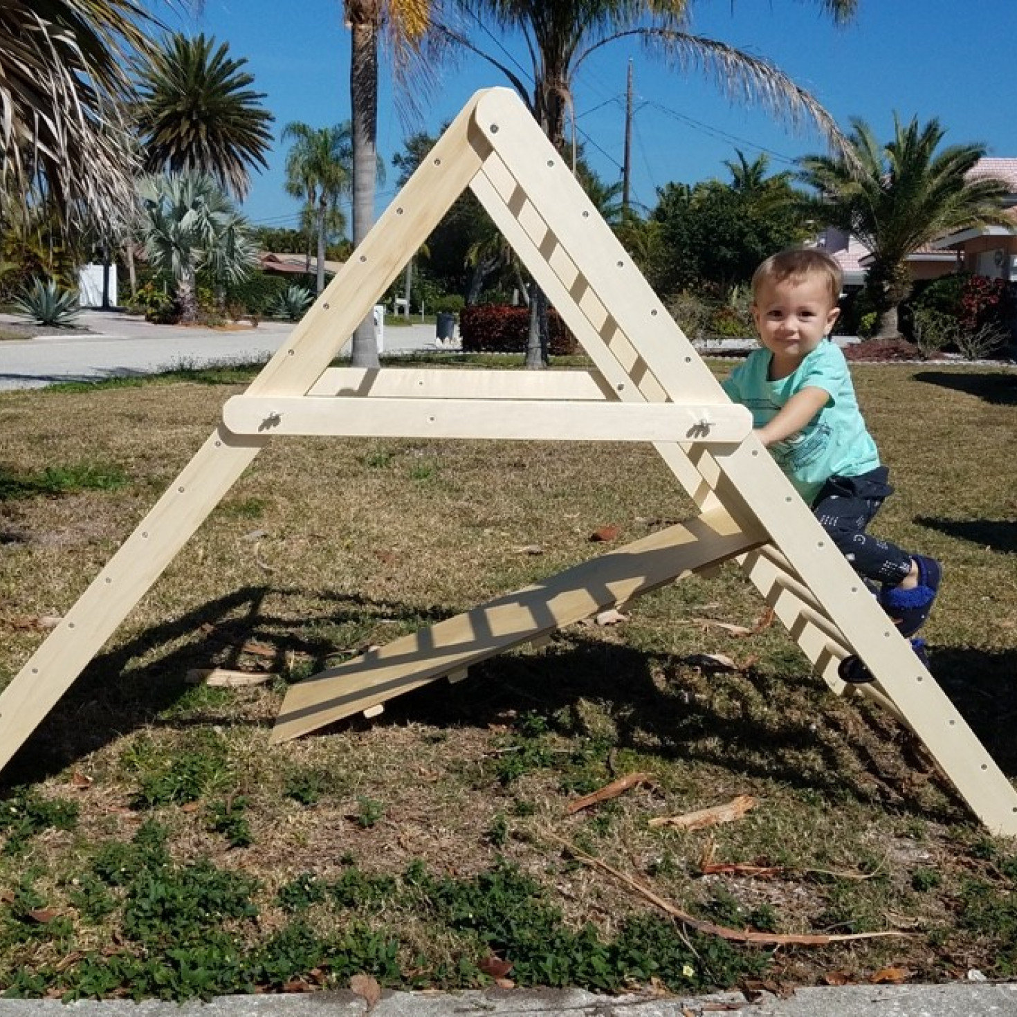 A climbing ladder that's suitable for both toddlers and older pre-schoolers