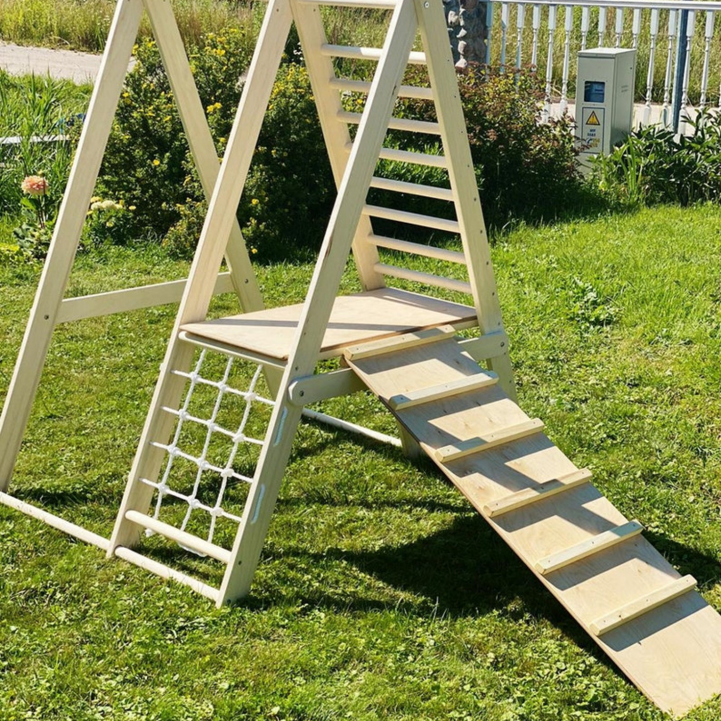 A gym for toddlers with a ladder board